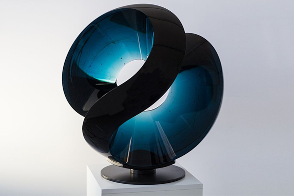 Crystal art pieces for art galleries