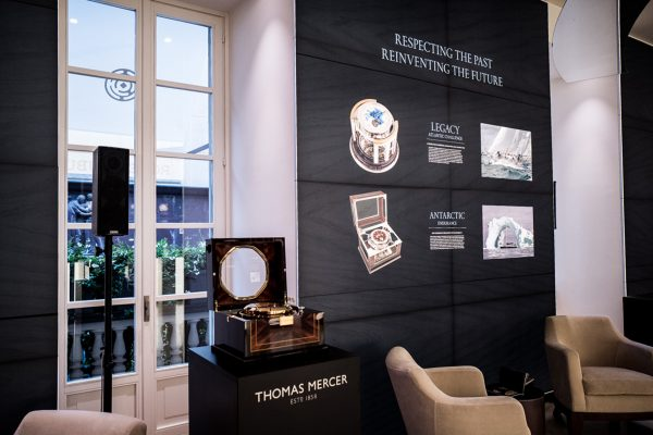 Greenwich Marine Chronometer: hand made, decoration cabinet, manufactory mechanism