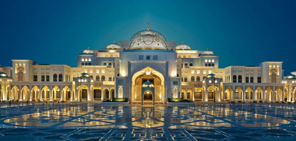 Abu Dhabi Time: the Presidential Palace Qasr Al-Watan and its pieces of art for connoisseurs.